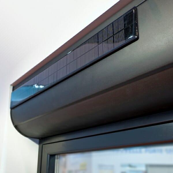 volet roulant autonome solaire portes et fen tres pvc bois et alu en essonne 91. Black Bedroom Furniture Sets. Home Design Ideas
