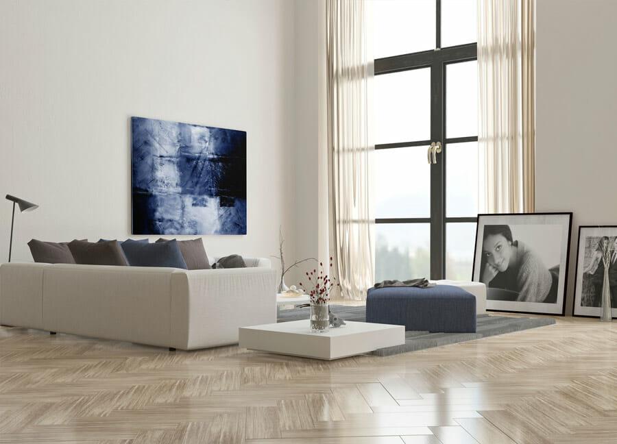 Parquet sur-mesure posé dans un salon moderne