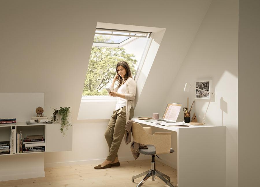 Fenêtre de toit à projection