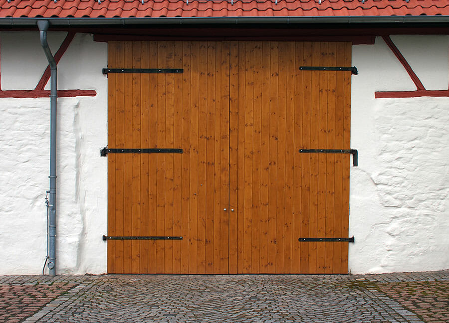 porte-de-garage-bois-classique