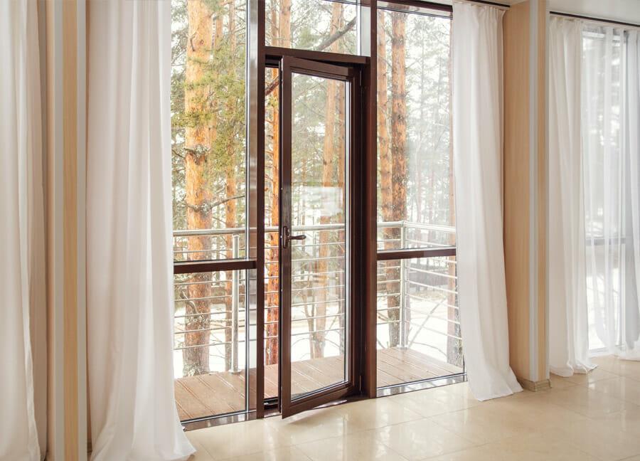 porte-fenetre-aluminium-marron