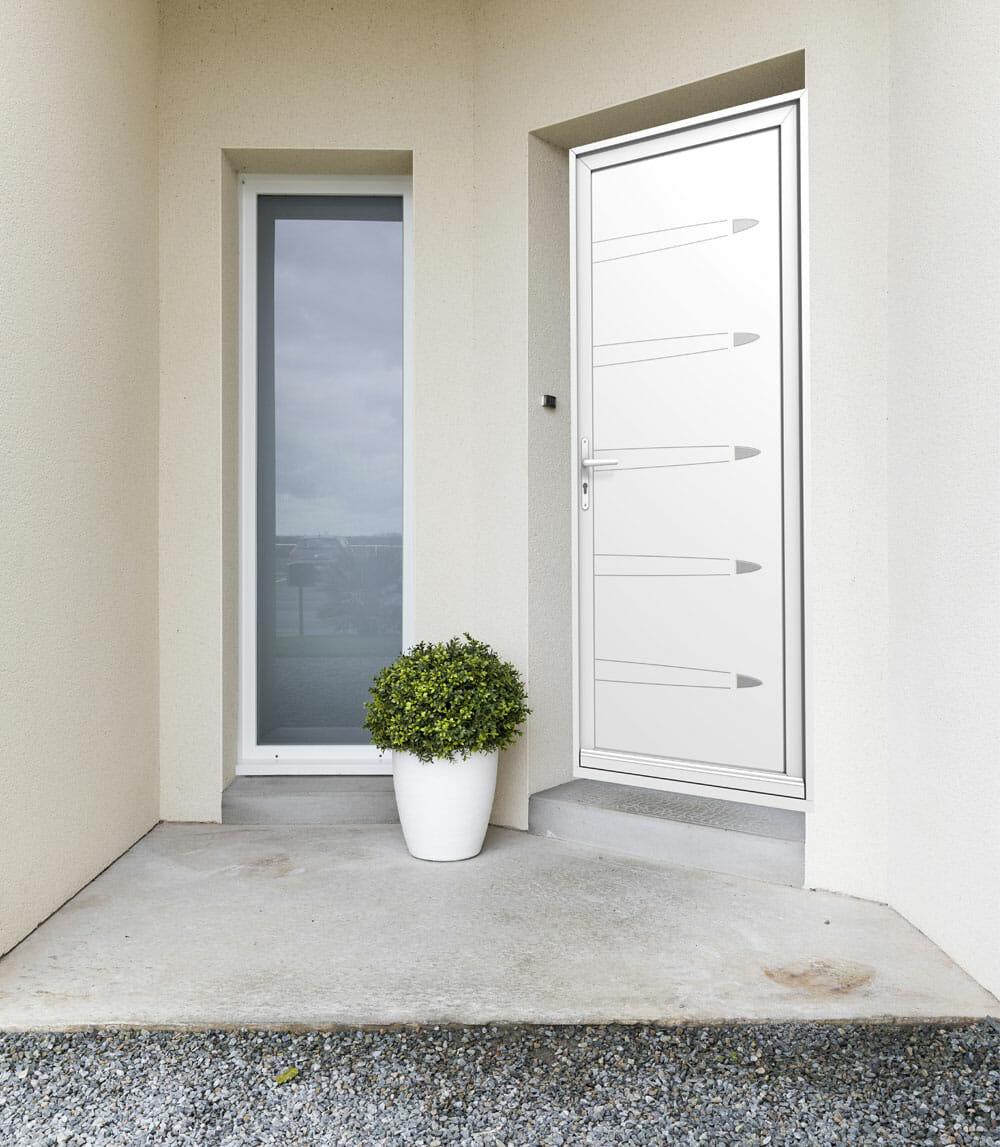 Porte-entree-PVC-blanche-OuvertureS